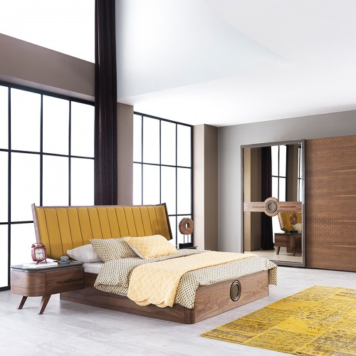 Laris bedroom
